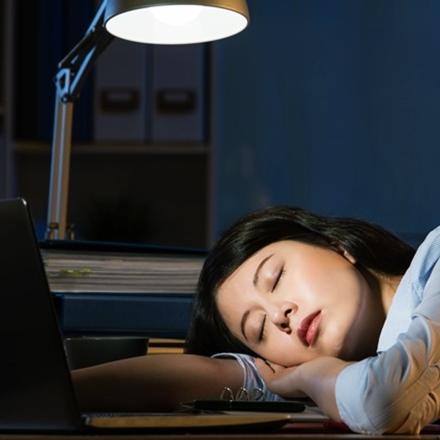 นอนไม่เพียงพอ สาเหตุแก่ก่อนวัย