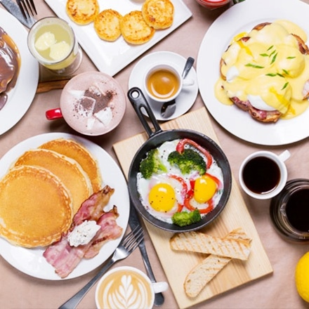 อาหารเช้าที่มีโปรตีนสูง